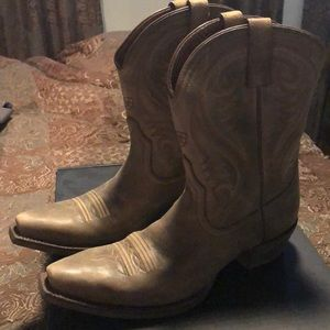 Ariat genuine leather cowboy boots!